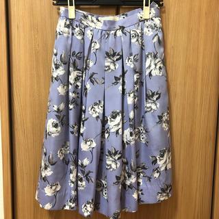 トランテアンソンドゥモード(31 Sons de mode)のトランテアン  ミディ丈花柄スカート(ひざ丈スカート)