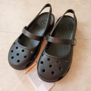 クロックス(crocs)のクロックス 新品 レディースサンダル サイズ7(サンダル)