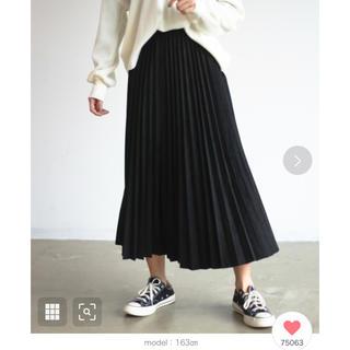 アンティローザ(Auntie Rosa)のスウェードプリーツスカート ブラック(ロングスカート)