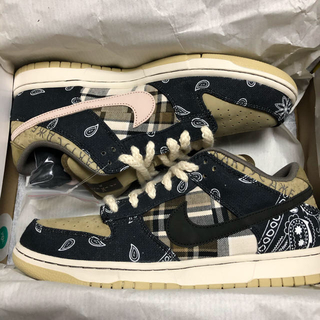 NIKE - Travis Scott × Nike SB Dunk Low PRM QS