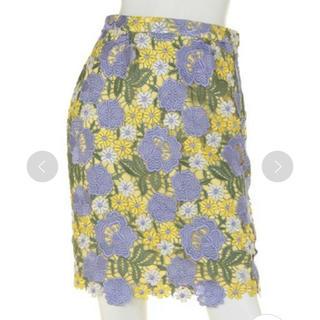 リリーブラウン(Lily Brown)のlily brown カラフルケミカルレーススカート(ひざ丈スカート)