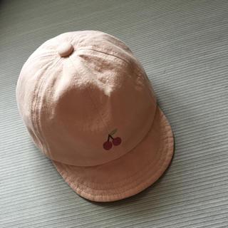 プティマイン(petit main)の美品❤️さくらんぼ帽子 50〜52(帽子)