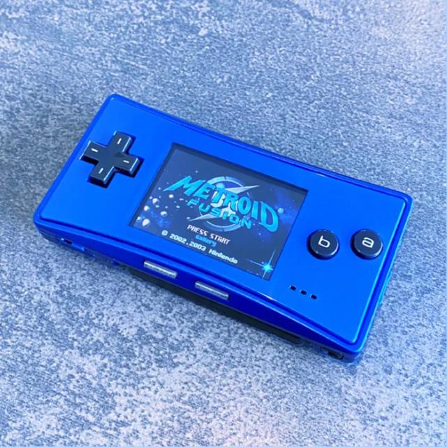 ゲームボーイ(ゲームボーイ)のゲームボーイミクロ 欧米限定ブルー 美品 本体 動作良好 バックライト エンタメ/ホビーのゲームソフト/ゲーム機本体(携帯用ゲーム機本体)の商品写真