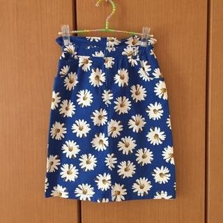 ウィゴー(WEGO)のマーガレット柄タイトスカート(ひざ丈スカート)