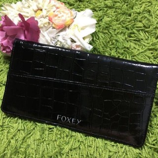 FOXEY - 新品フォクシー レディパスポート旅券ケース クロコ調黒