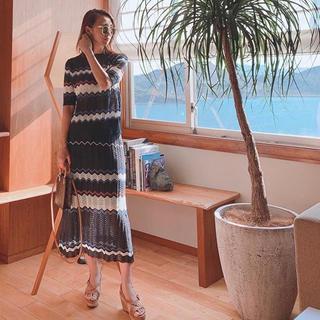 リリーブラウン(Lily Brown)の【新品】ニット波ボーダーセットアップ(セット/コーデ)