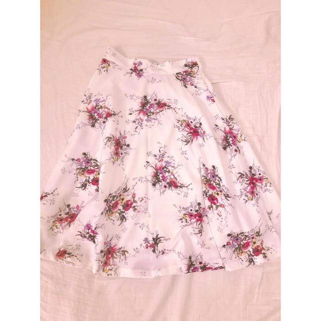 MISCH MASCH(ミッシュマッシュ)のミッシュマッシュ MISCH MASCH 花柄スカート レディースのスカート(ひざ丈スカート)の商品写真
