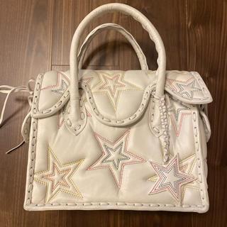 GRACE CONTINENTAL - 美品 グレースコンチネンタル フライスター白MS カービングバッグ