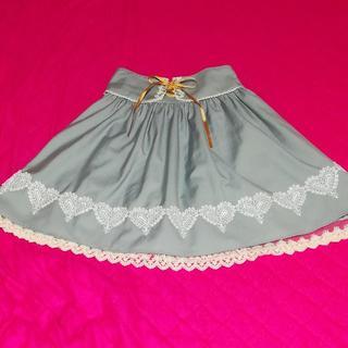 アマベル(Amavel)のAmavel ハート刺繍サリバンスカート(ひざ丈スカート)