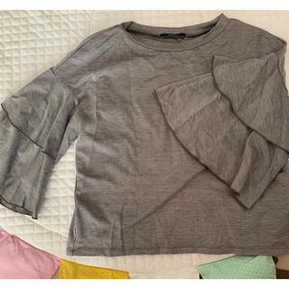 エモダ(EMODA)のEMODA フリルトップス(カットソー(半袖/袖なし))