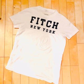 Abercrombie&Fitch - アバクロ 爽やかな白Tシャツ❗️ Sサイズ   大人気のロゴ刺繍タイプ
