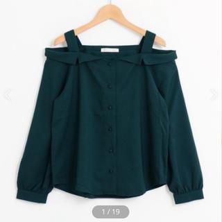 マジェスティックレゴン(MAJESTIC LEGON)のシャツ衿オフショルブラウス(M)(シャツ/ブラウス(長袖/七分))
