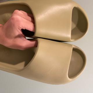 アディダス(adidas)のYeezy Slide US7(25cm)(サンダル)