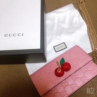 グッチ(Gucci)のGUCCI グッチ チェリー付き シグネチャー ミニバッグ(ショルダーバッグ)