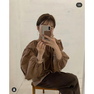 ミラオーウェン(Mila Owen)のamiur original 2way volume blouse(シャツ/ブラウス(長袖/七分))