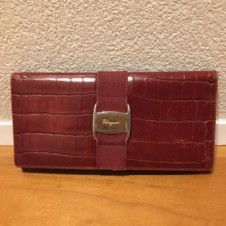 サルヴァトーレフェラガモ(Salvatore Ferragamo)のサルヴァトーレフェラガモ 長財布 クロコ型押し(財布)