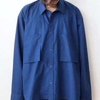 アンユーズド(UNUSED)のthee oversize short shirt (BLU) シャツ(シャツ)