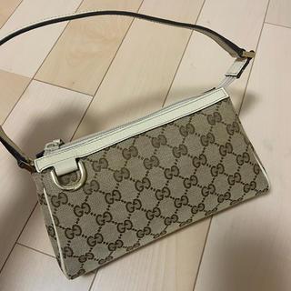 Gucci - GUCCI ポーチ 美品 長財布とスマホが入るサイズ