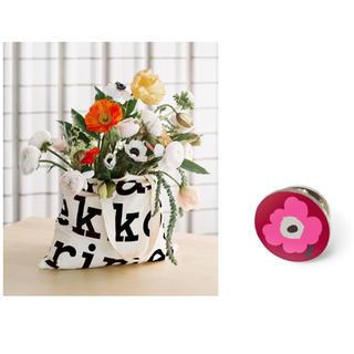 marimekko - 【新品】マリメッコ ロゴ バッグ ピンバッジ  ノベルティ ブラック