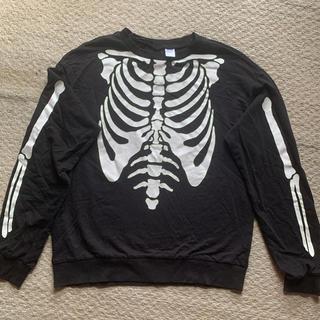エイチアンドエム(H&M)の骸骨Tシャツ (シャツ/ブラウス(長袖/七分))