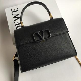 ヴァレンティノ(VALENTINO)の最新作品 女史 Valentino 華倫天奴 長財布(長財布)