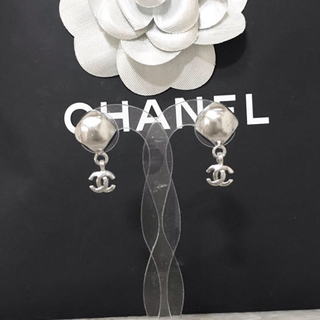 CHANEL - 正規品 シャネル ピアス シルバー ココマーク スイング ストーン ロゴ 銀