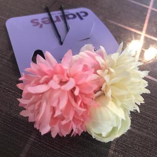 クレアーズ(claire's)の髪飾り 七五三 結婚式 ピンク 白 ピン 花 クレアーズ Claire's(その他)