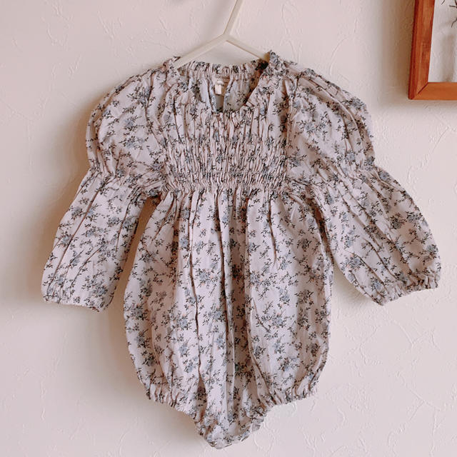 Caramel baby&child (キャラメルベビー&チャイルド)の⭐︎yuka様専用⭐︎MONBEBE  puff sleeve rompers キッズ/ベビー/マタニティのベビー服(~85cm)(ロンパース)の商品写真