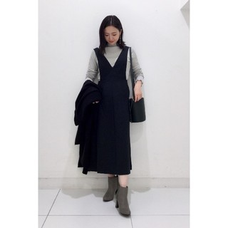 GU - 『GU』ディープVネックジャンパードレス