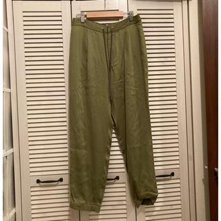 グリーンレーベルリラクシング(green label relaxing)の定価8690円 グリーンレーベルリラクシング サテンパンツ(カジュアルパンツ)