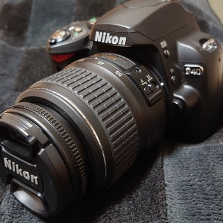 Nikon - 初めての一眼レフに!Nikon D40