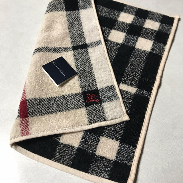 BURBERRY(バーバリー)の【新品】BURBERRY バーバリー タオル ハンカチ レディースのファッション小物(ハンカチ)の商品写真