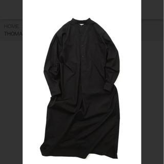 コモリ(COMOLI)のリノアンドコー  バンドカラーシャツ  ワンピース(ロングワンピース/マキシワンピース)