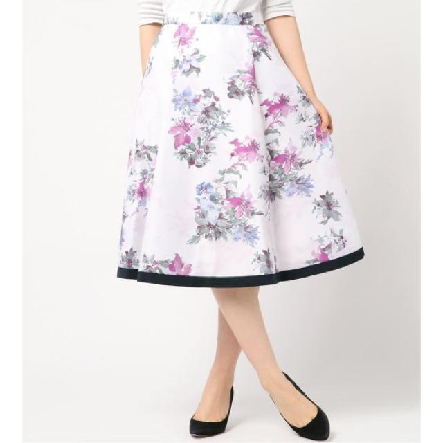 JUSGLITTY(ジャスグリッティー)のJUSGLITTY ❤️ フラワープリントフレアスカート レディースのスカート(ひざ丈スカート)の商品写真