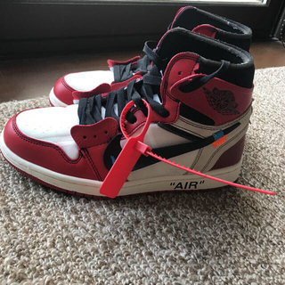 NIKE - AIR JORDAN 1  off-white