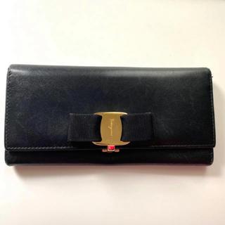 サルヴァトーレフェラガモ(Salvatore Ferragamo)の【送料込み】フェラガモ  長財布(財布)