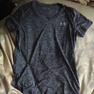 アンダーアーマー(UNDER ARMOUR)のアンダーアーマー レディースTシャツ 黒 M(トレーニング用品)