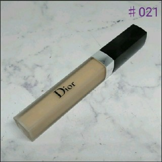 Christian Dior - ディオールスキンフォーエヴァーコンシーラー 021