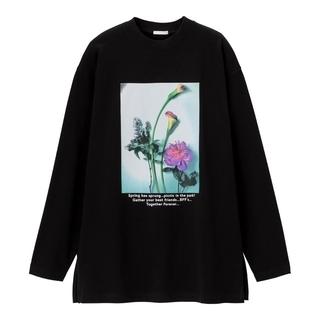 ジーユー(GU)のGUグラフィックロングスリーブT(長袖)B サイズS ブラック黒 花 フラワー(Tシャツ(長袖/七分))