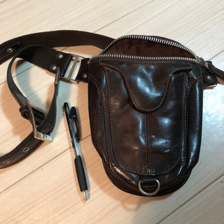 アヴィレックス(AVIREX)のavirex body bag 茶色(ボディーバッグ)