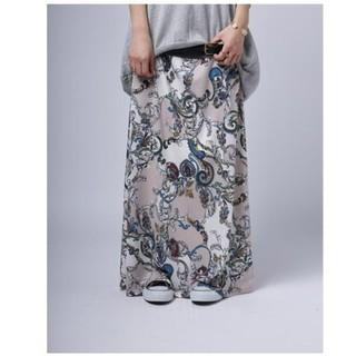 アンティカ ペイズリー柄ロングスカート