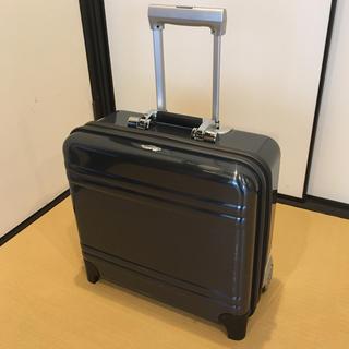 ゼロハリバートン(ZERO HALLIBURTON)の【売り切りです】ZERO ハリーバートン 2輪 スーツケース 機内持込可能(トラベルバッグ/スーツケース)