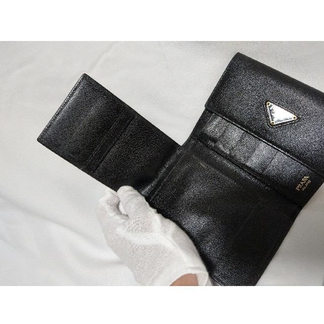 PRADA(プラダ)の【良品】PRADA プラダ 折り財布 黒 ブラック サフィアーノ レディースのファッション小物(財布)の商品写真