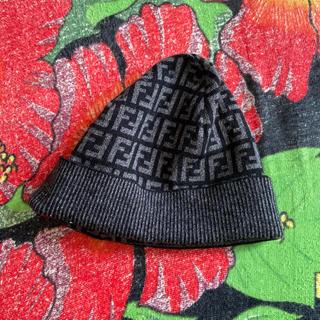 フェンディ(FENDI)のFENDIニット帽(ニット帽/ビーニー)