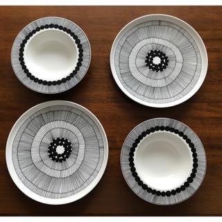 マリメッコ(marimekko)の新品 激安 マリメッコ シイルトラプータルハ プレート&ディーププレートセット(食器)