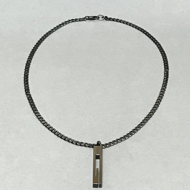 Gucci(グッチ)の正規品 GUCCI グッチ Gカット ブラック ネックレス シルバー 中古 美品 メンズのアクセサリー(ネックレス)の商品写真
