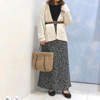 テチチ(Techichi)のLugnoncure 小花柄シフォンマーメイドスカート ¥5,489(ロングスカート)