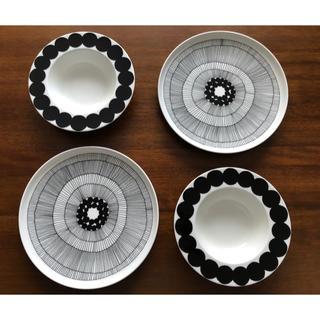 マリメッコ(marimekko)の新品 マリメッコ  シイルトラプータルハ&ラシィマット プレートセット(食器)