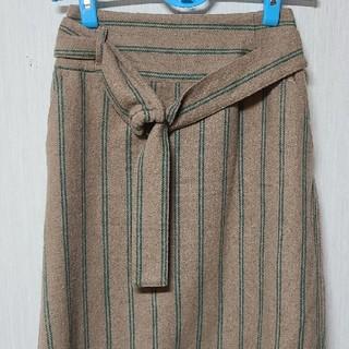 ストライプ柄スカート(ひざ丈スカート)