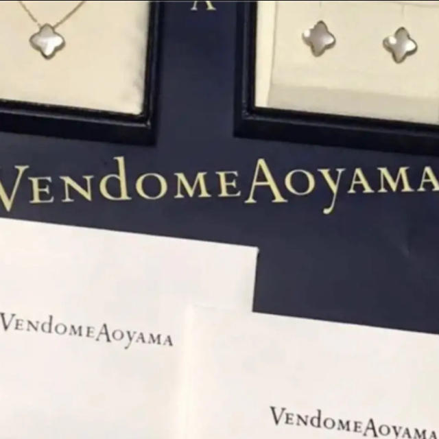 Vendome Aoyama(ヴァンドームアオヤマ)のヴァンドーム青山 K18シェルネックレス&シェルピアス レディースのアクセサリー(ピアス)の商品写真